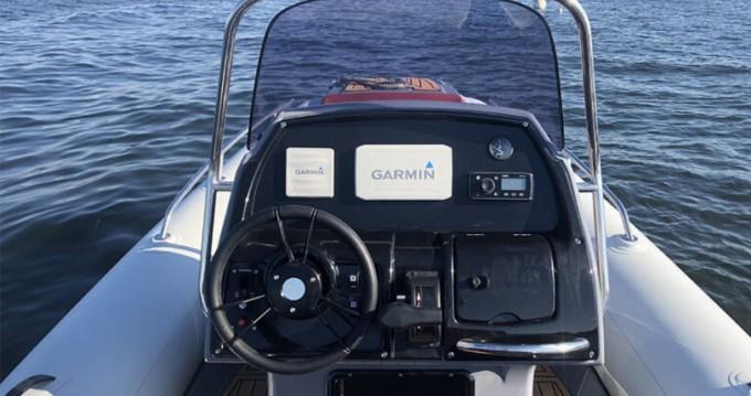 Rent a Grand Boats Golden Line G650LF Cap Ferret