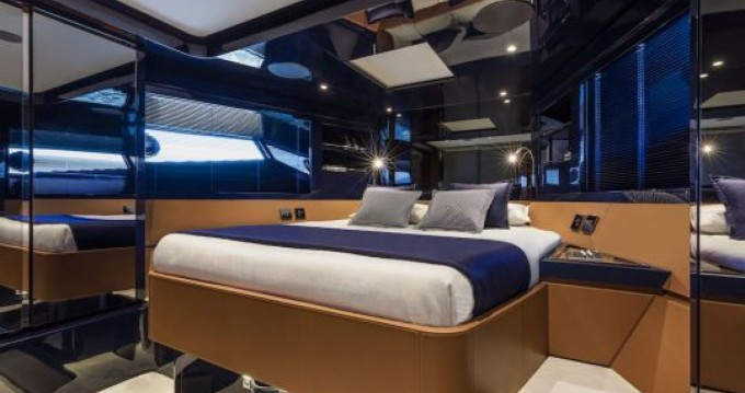 Rent a Riva Dolce Riva 48 Cannes