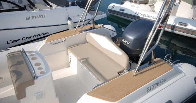 Boat rental La Londe-les-Maures cheap Tempest 700 Sun