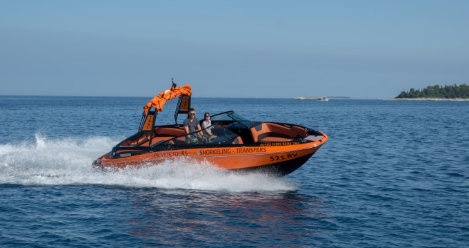 Hire Motorboat with or without skipper Maxum Rovinj