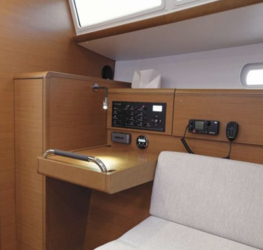 Rental yacht Lávrio - Jeanneau Sun Odyssey 389 on SamBoat