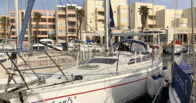 Rent a Jeanneau Attalia 32 Le Cap d'Agde