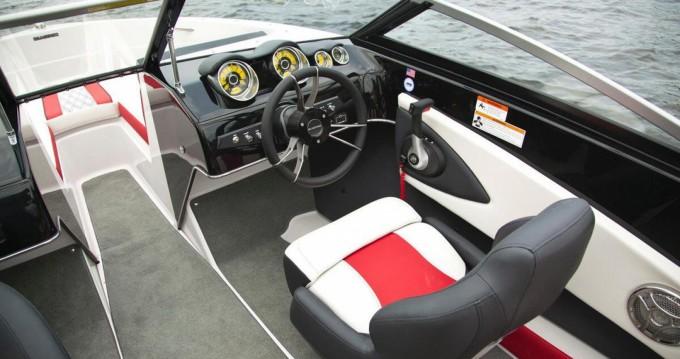 Rental yacht Santa Eulària des Riu - Glastron GT 185 on SamBoat