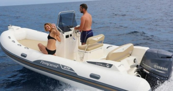 Boat rental Capelli Tempest 570 in Pointe-Rouge on Samboat