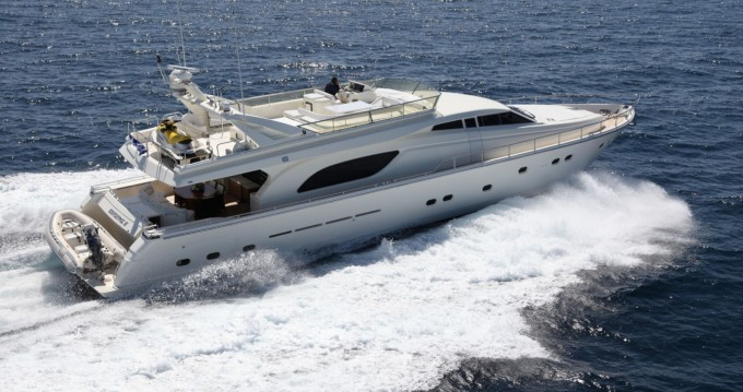 Boat rental Ferretti Ferretti 80 in Corfu on Samboat