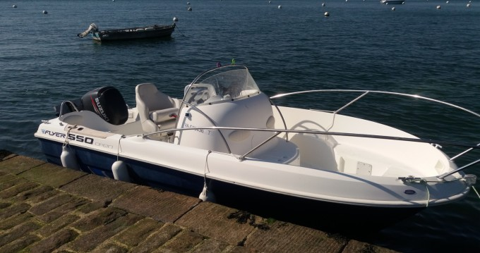 Motorboat for rent Larmor-Baden at the best price