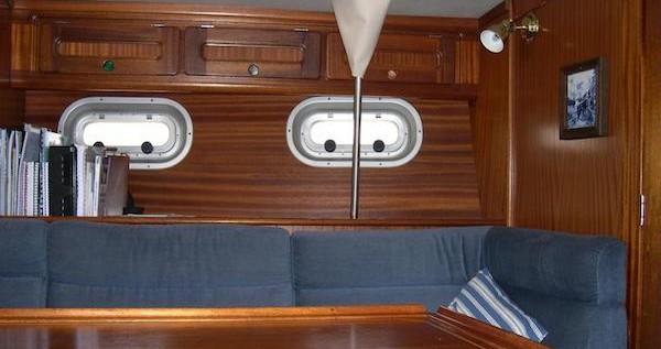 Rental Sailboat in Heraklion Port - Bavaria Bavaria 350