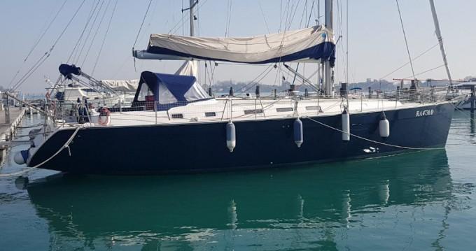 Boat rental Bénéteau Cyclades 50.5 in Salivoli on Samboat