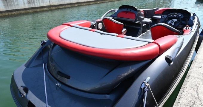 Sea-Doo Challenger 2000 between personal and professional Fréjus