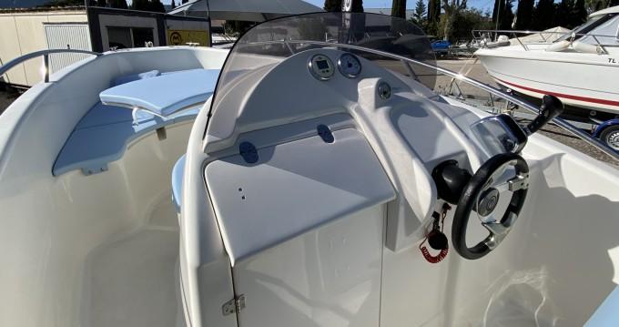 Rental Motorboat in Fréjus - Clear aries open 615