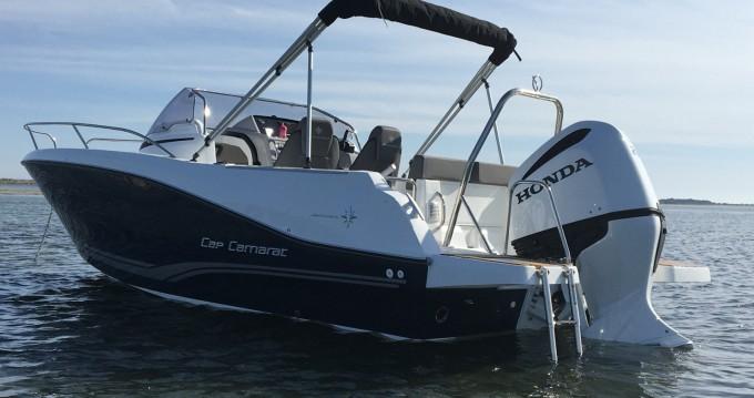 Boat rental Jeanneau CAP CAMARAT 6,5WA S3 in Mèze on Samboat