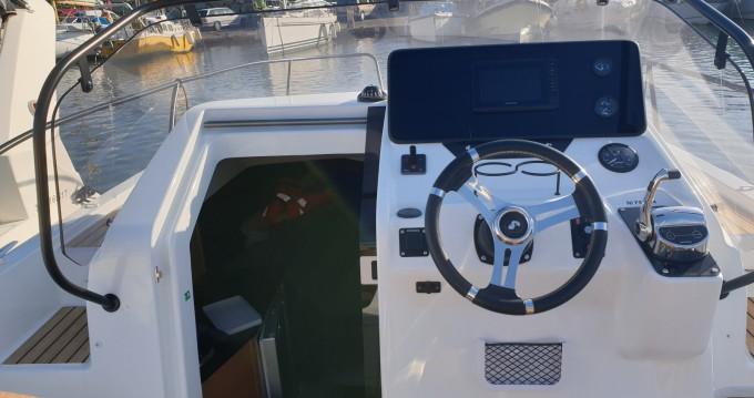 Boat rental Bénéteau Flyer 8 Sun Deck in Cogolin on Samboat