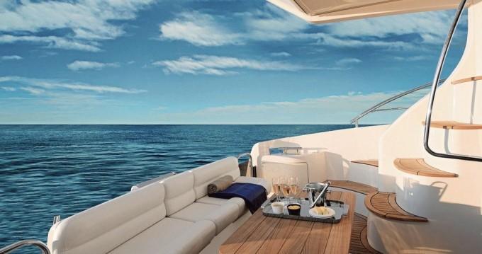 Rental yacht Yalıkavak - Azimut Azimut 42 E on SamBoat