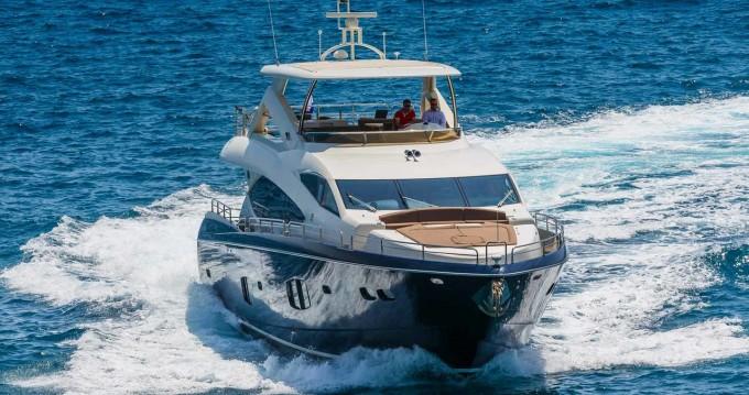 Rent a Sunseeker Sunseeker Yacht 86 Split