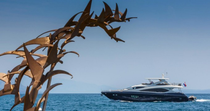 Hire Motorboat with or without skipper Sunseeker Split