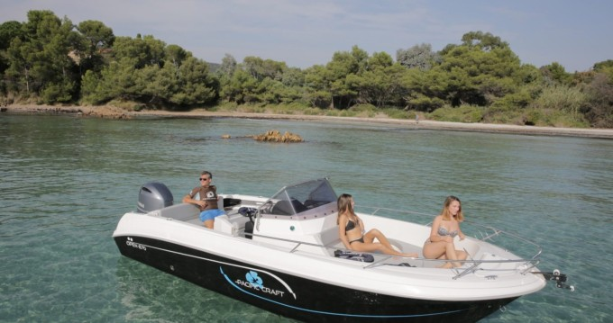 Rental Motorboat in La Londe-les-Maures - Pacific Craft 6.50