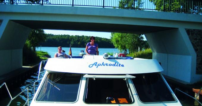 Boat rental Fürstenberg/Havel cheap 42 Trio Prestige