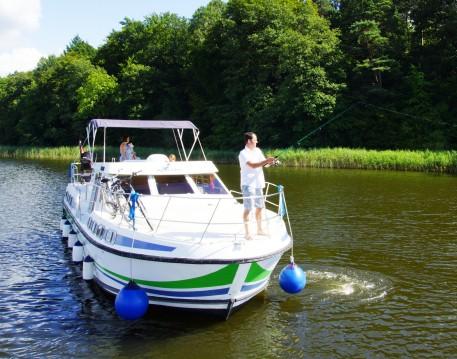 Boat rental Fürstenberg/Havel cheap 42 N