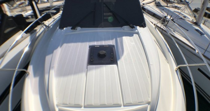 Hire Motorboat with or without skipper Jeanneau Saint-Jean-Cap-Ferrat