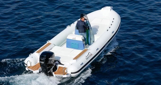 Boat rental Italiamarine San Remo 24 in Antibes on Samboat