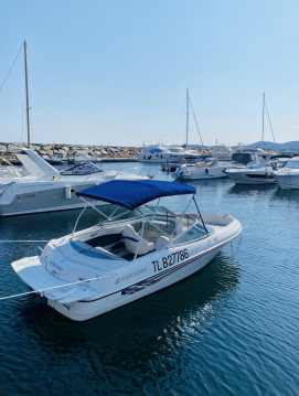 Rental Motorboat in Les Issambres - Four Winns Horizon 180