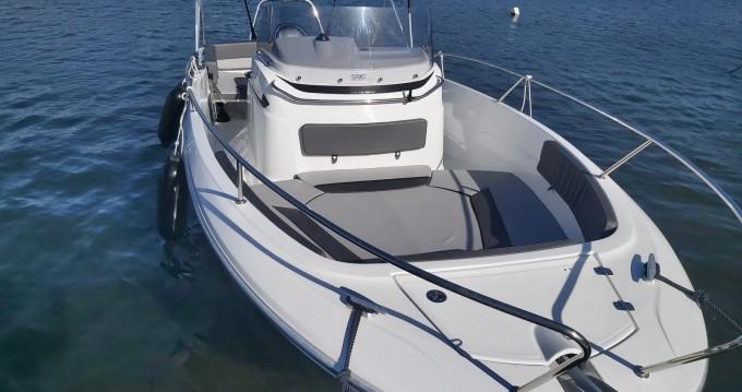 Rental yacht Saint-Florent - Jeanneau Cap Camarat 7.5 CC on SamBoat