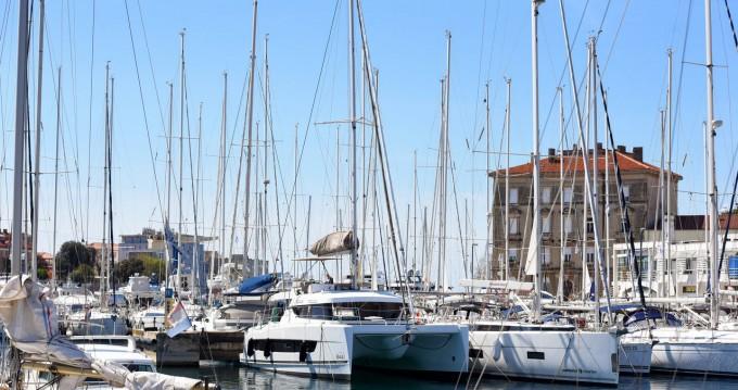 Boat rental Zadar cheap Bali Catspace
