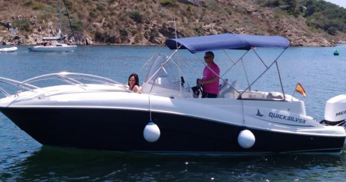 Boat rental es Mercadal cheap Quicksilver 720 Commander