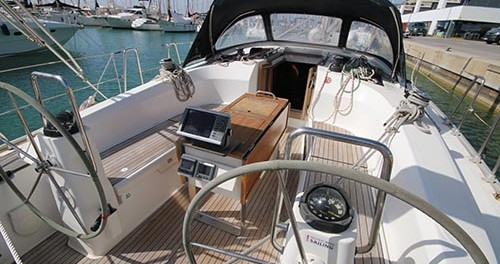 Boat rental Barcelona cheap Bavaria 40 Cruiser