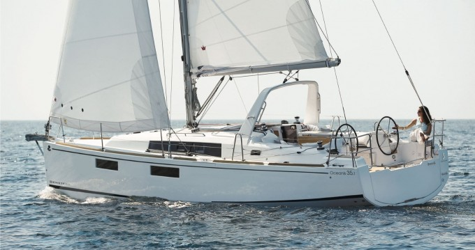 Bénéteau Oceanis 35.1 between personal and professional Cannigione