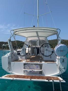 Rental Sailboat in Cannigione - Bénéteau Oceanis 35.1