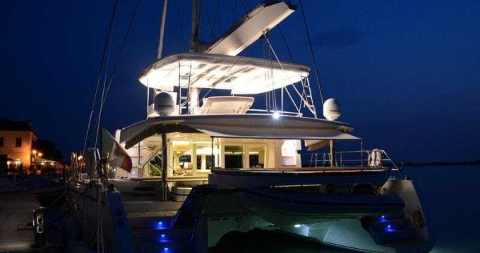 Rental Catamaran in Cannigione - Navale Bordeaux Lagoon 52
