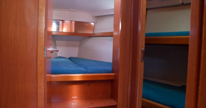 Bénéteau Oceanis 43 between personal and professional Barcelona