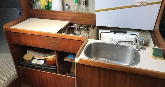 Rental Motorboat in Taillebourg - Jeanneau Tonic 23