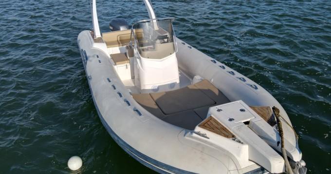 Rental yacht Grand Piquey - Capelli Tempest 770 on SamBoat