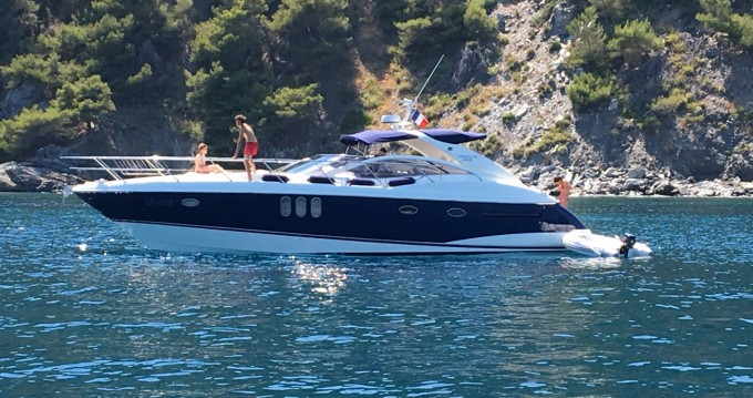 Boat rental Absolute Absolute 45 in Toulon on Samboat