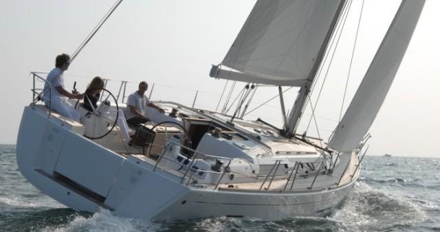 Boat rental Dufour Dufour 445 GL - 4 cab. in Capo d'Orlando on Samboat