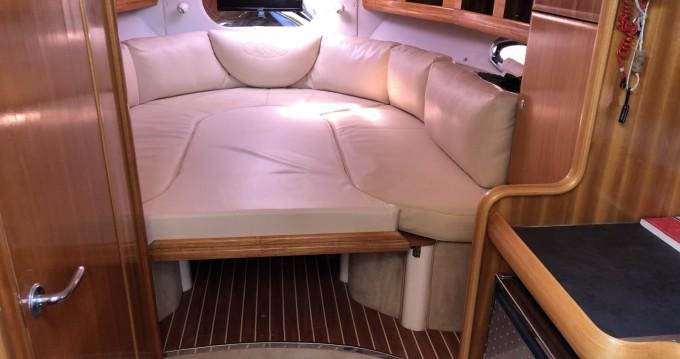 Boat rental Bavaria BMB 29 Sport DC in Fréjus on Samboat