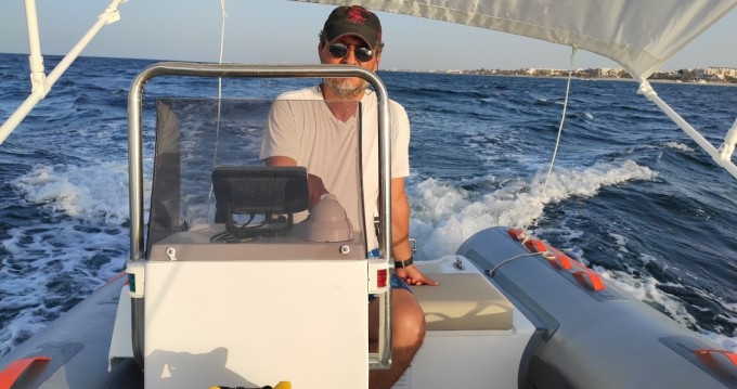 Hire RIB with or without skipper hippocampe focchi Midoun