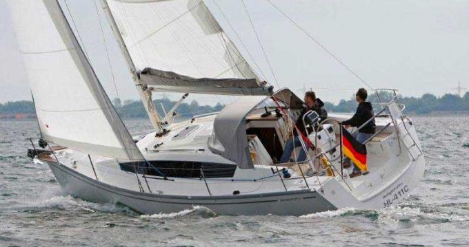 Rental yacht Port du Crouesty - 20 Delphia 31 on SamBoat