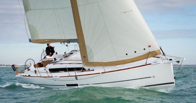 Rental Sailboat in Port du Crouesty - 3 Dufour 350