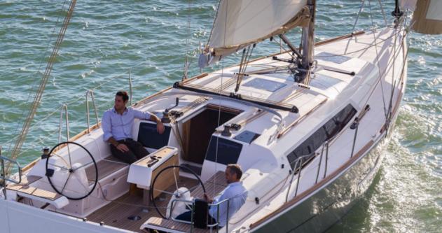 Boat rental Port du Crouesty cheap Dufour 382 GL