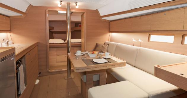 Rental Sailboat in Port du Crouesty - 3 Dufour 382 GL