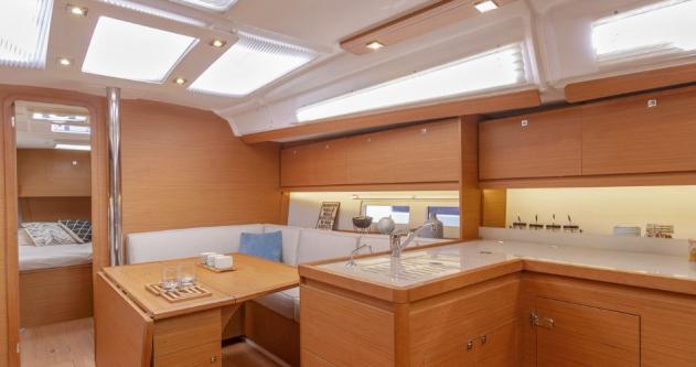 Rental Sailboat in Port du Crouesty - 3 Dufour 390 Grand Large