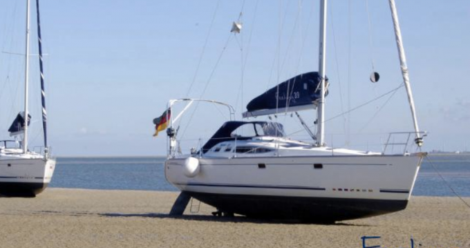 Hire Sailboat with or without skipper 5 Port du Crouesty