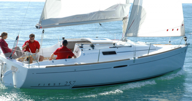 Boat rental 4 FIRST 25.7 QR (1 CAB) in Port du Crouesty on Samboat
