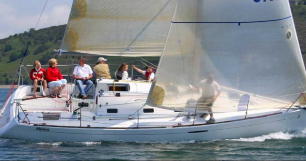 4 FIRST 31.7 between personal and professional Port du Crouesty