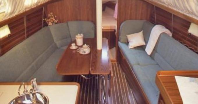 Boat rental Port du Crouesty cheap OCEANIS 31 DL