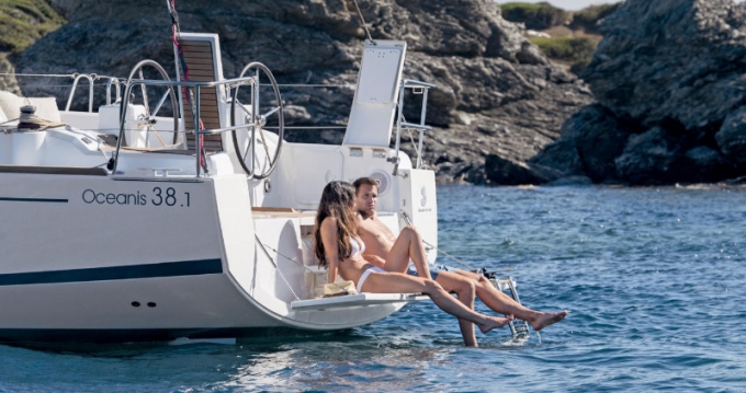 Boat rental Port du Crouesty cheap oceanis 38 deriveur
