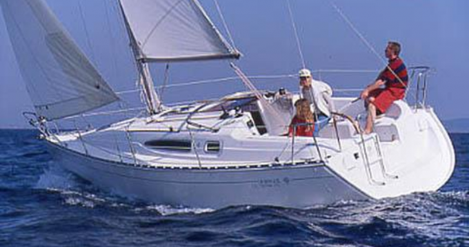 Boat rental 2 SUN ODYSSEY 29.2 DL in Port du Crouesty on Samboat